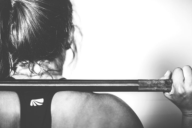 Musculation : les BCAA favorisent le développement de la masse musculaire.