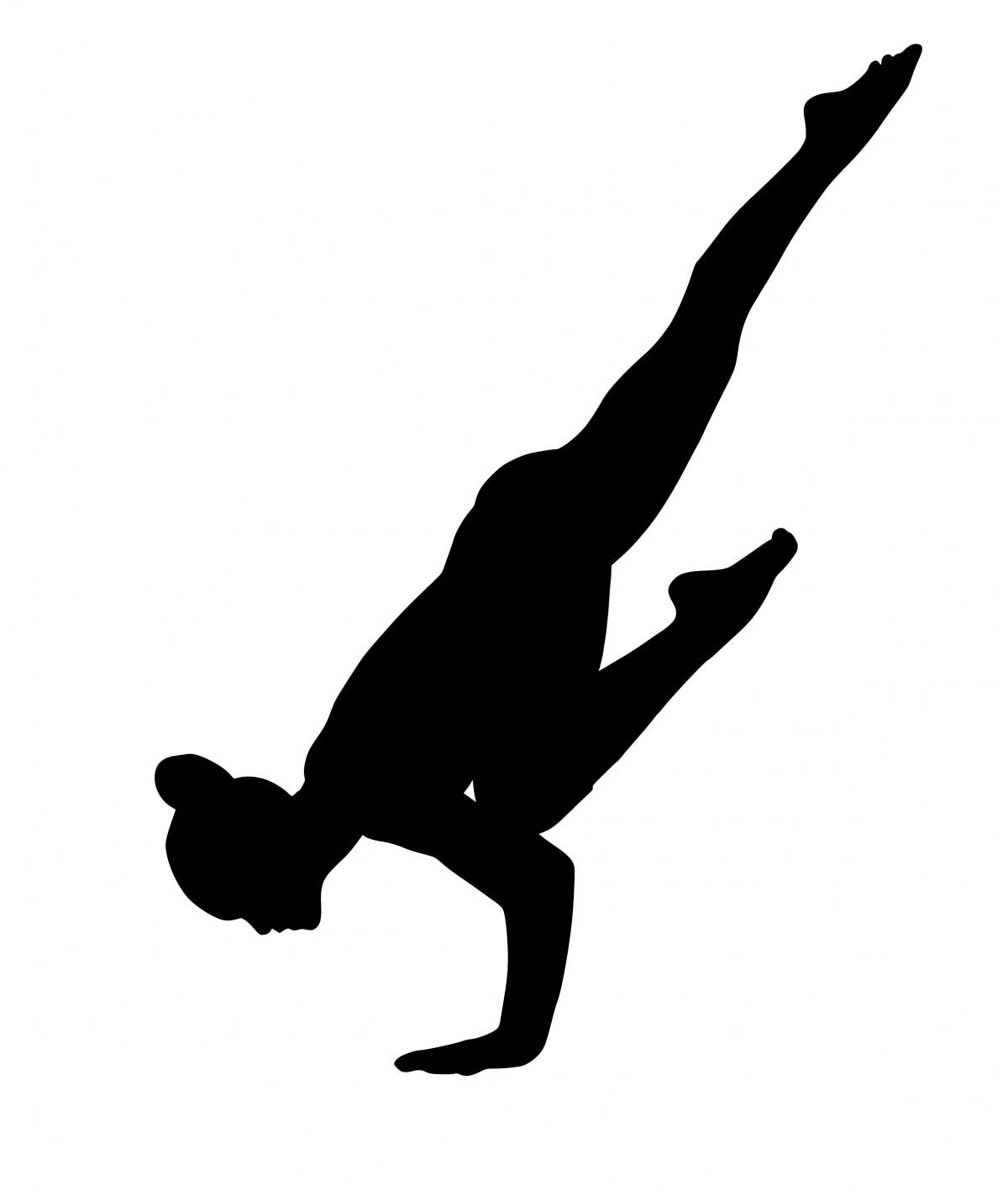 Femme en train de pratiquer le yoga sport.