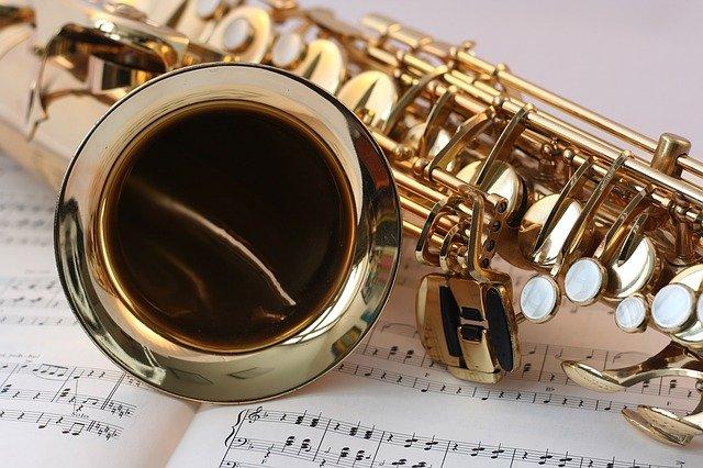 Saxophone représentant la musicothérapie : bienfaits de cette thérapie.