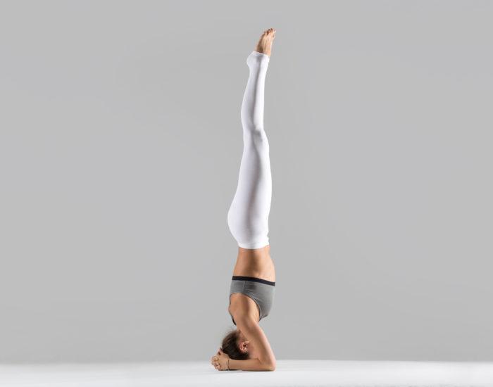 Posture du poirier : posture de yoga efficace pour maigrir.