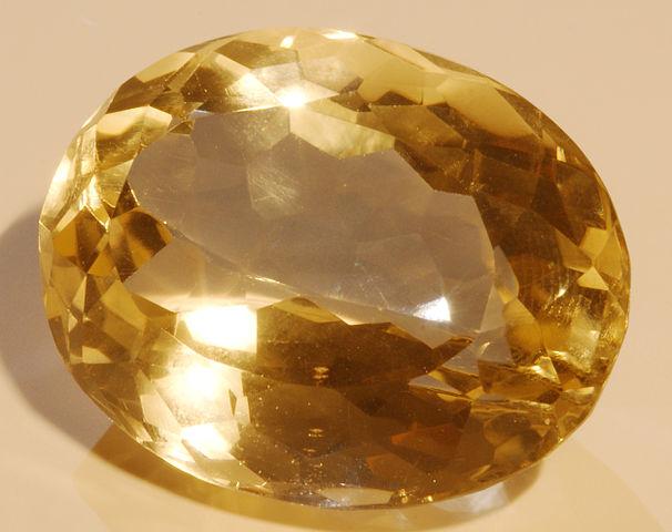 Citrine : propriétés et vertus de la pierre.