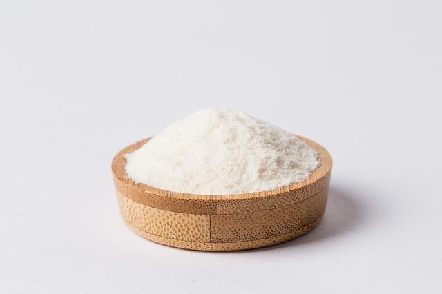 Lactosérum en poudre : bienfait et danger du petit-lait.