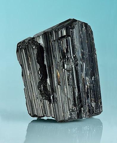 Tourmaline Noire : propriétés de l'élixir minéral.