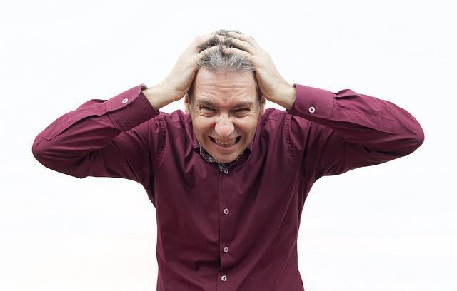 Homme souffrant d'anxiété ou de stress : quelle différence ?