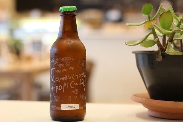 Kombucha : bienfaits et danger de cette boisson.