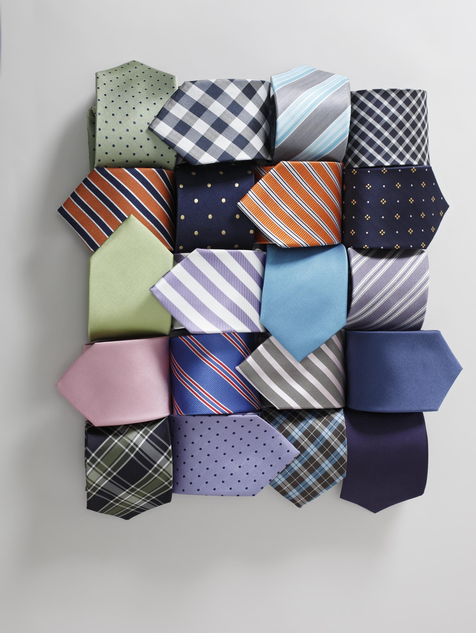 Business-Einsteiger-Box 3: Schwarzer Anzug / weißes + blaues Hemd