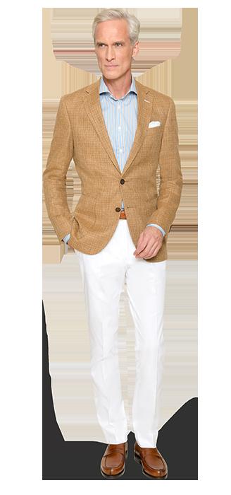 So sieht lässige Eleganz aus – Sacco in Sand und Hose in Weiß von DOLZER