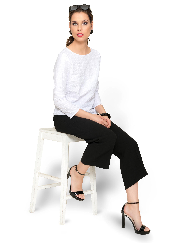 Black & White – schwarze Culotte und weiße Bluse nach Maß