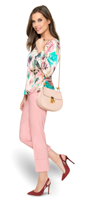 Auf in den Frühling! Florale Shirt-Bluse und legere DOLZER Hose nach Maß