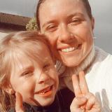Júlia F., Opatrovanie detí - Zahraničie - ostatné