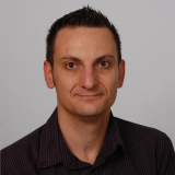 Mag. phil. Karol D., Doučovanie - Banská Bystrica
