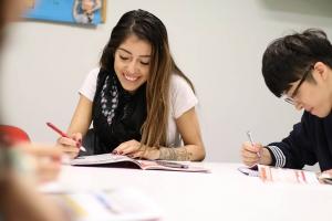我们在巴塞罗那的学校 BARCELONA 12