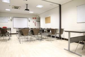 我们在马德里的学校 DQ 11