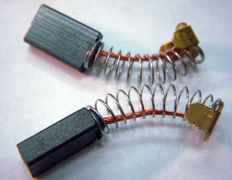 Графитовые щетки коллектора сечением 5*10 мм