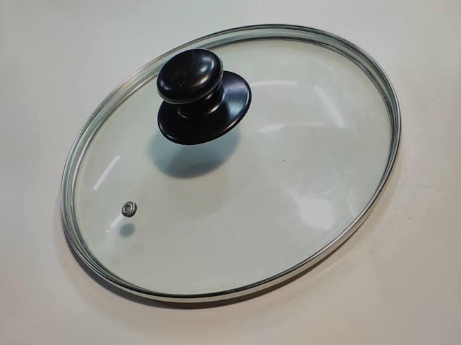 Термостеклянная крышка 235 мм с ручкой