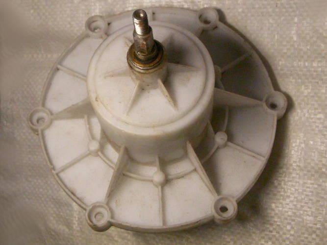 Редуктор 170 мм под 6 болтов на шлицы и квадрат-резьба для стиральной машины