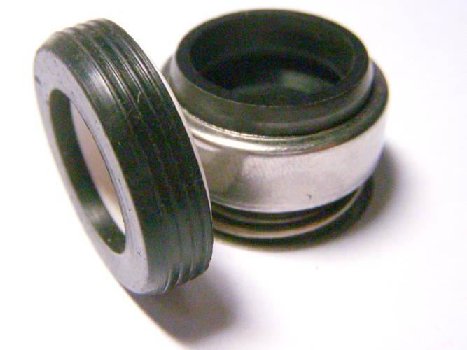 Торцевое механическое уплотнение на вал 16 мм с кольцом 28 мм