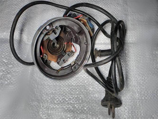 Алюминиевая крышка электродвигателя соковыжималки Росинка