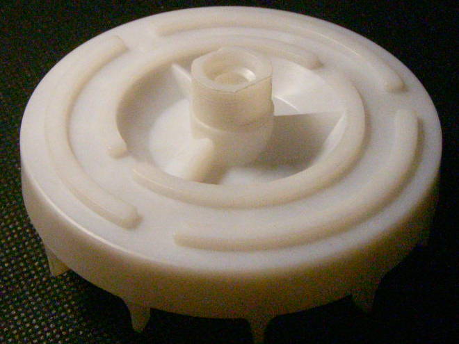Охлаждающий вентилятор привода электросоковыжималки Журавинка 301М