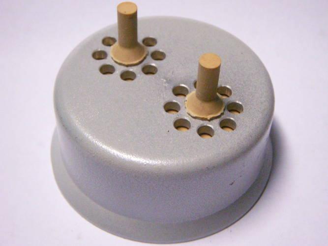 Накручиваемая крышка для вибрационного насоса Цвиркун (Bosna-LG)