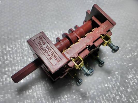 Переключатель 7LA Gottak 840502 25А электроплиты Hansa