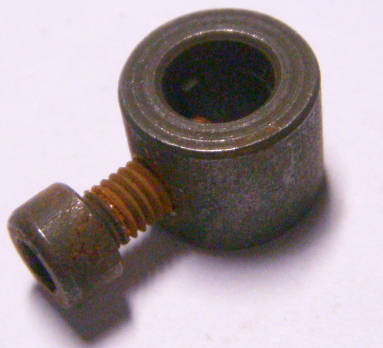 Круглый пилкодержатель электролобзика на шток 8 мм