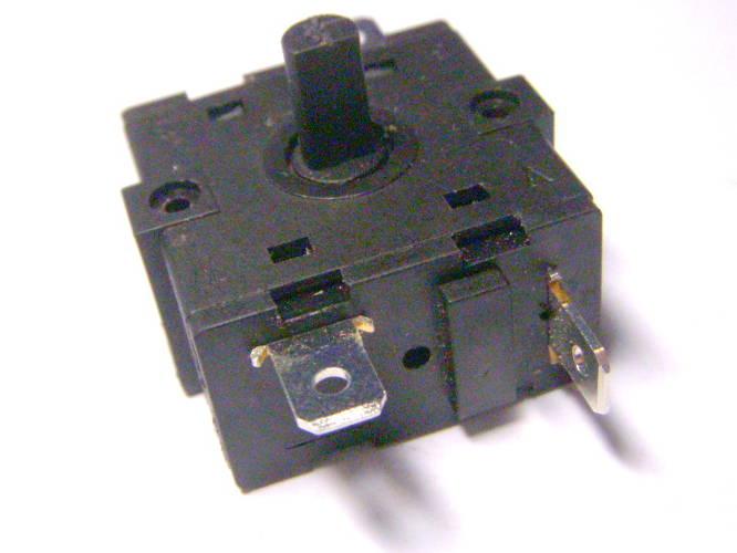3-х позиционный переключатель электроприбора 2+2