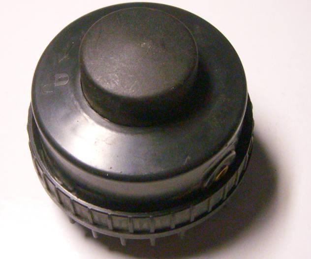Косильная голова шпуля d77*h75*d8 электрокосы типа Bosch