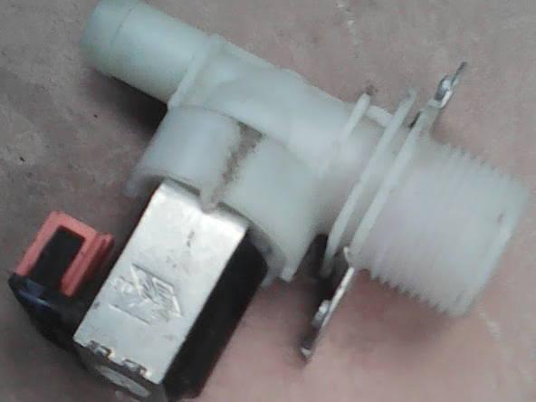 Одинарный клапан на 180° стиральной машины автомат