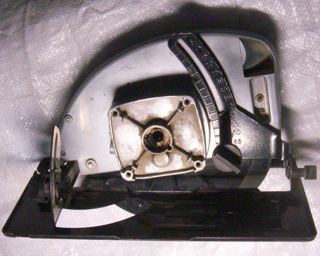 Металлический корпус циркулярной пилы Кондор