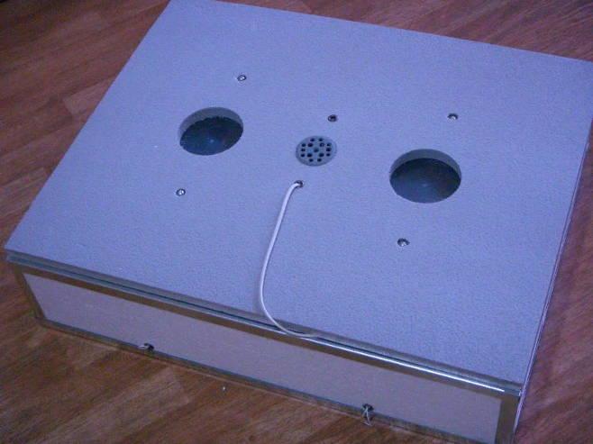 Домашний инкубатор на 140 яиц с механическим переворотом