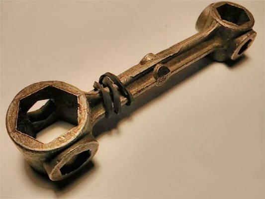 Велосипедный ключ- косточка 8*14-10*17