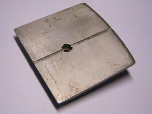 Регулировочная подошва электрорубанка размером 82*82 мм
