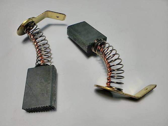 Щетки коллектора 6.5*13.5 цепной электропилы на длинной клемме