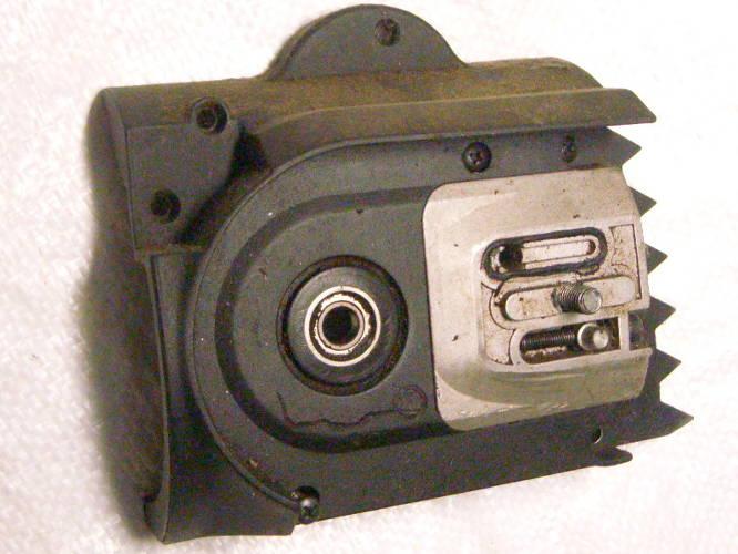 Натяжитель цепной электропилы Gardener в сборе с корпусом