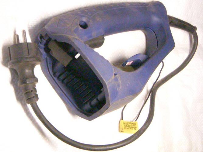 Задняя часть корпуса цепной электропилы