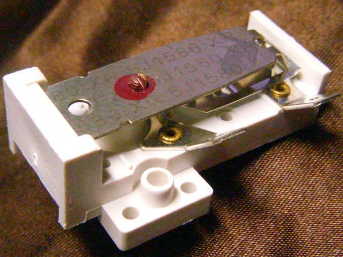 Пластиковый биметаллический термостат для электробогревателей