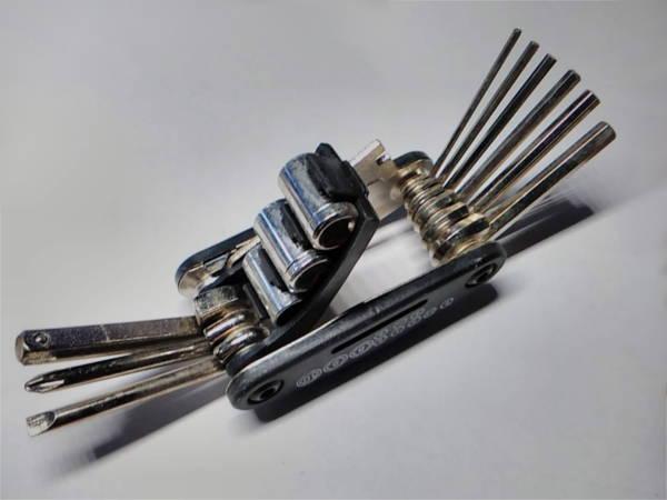 Универсальный складной набор 6*6-+-8-9-10 ключей велосипеда