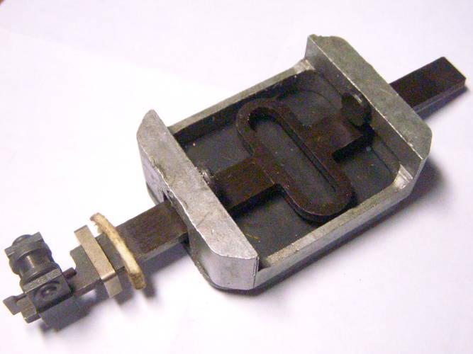 Неоригинальный шток в сборе для электролобзика Фиолент 600