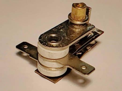 Биметаллический термостат на 10 Ампер для электровафельницы