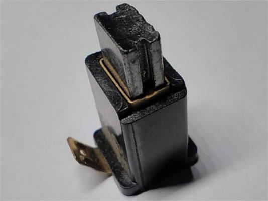 Закрытый щеткодержатель 16.5*12 щетки 11*6.5 с клеммой на дисковую пилу