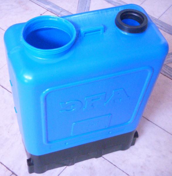 Бак опрыскивателя Эра емкостью 15 литров