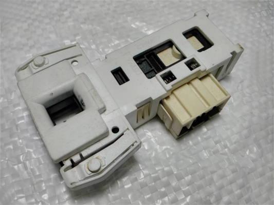 Блокировка люка стиральной машины Candy DA053