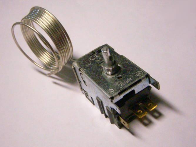 Терморегулятор Danfoss EN60730-2-9 с капилляром 1 метр для холодильной витрины