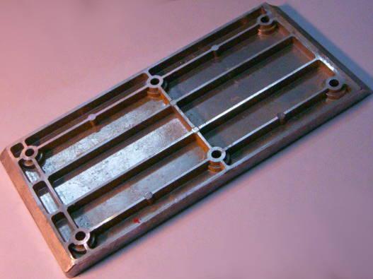 Подошва электрорубанка размером 100*215 мм