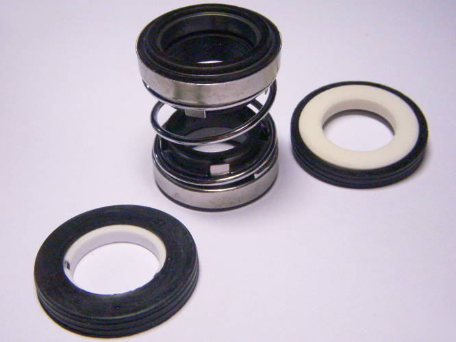 Торцевое пружинное уплотнение CF202-18 на вал 18 мм