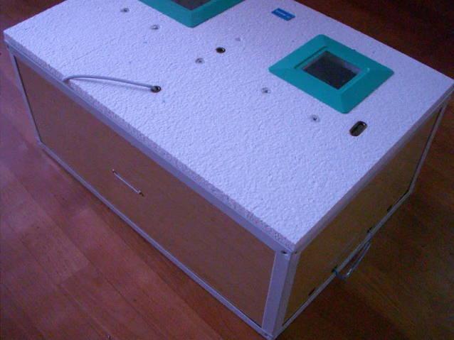 Инкубатор Курочка Ряба на 100 яиц в пластиковом корпусе с цифровой автоматикой