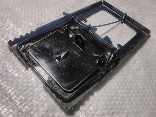 Металлическая крысоловка 153*85 мм