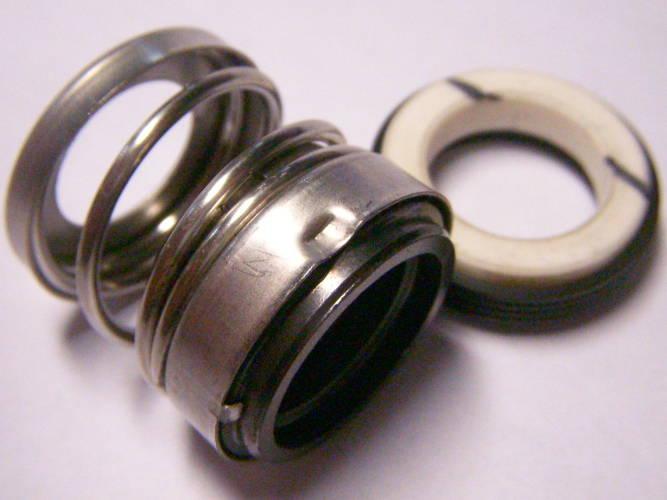 Торцевое пружинное уплотнение CF202-15 на вал 15 мм