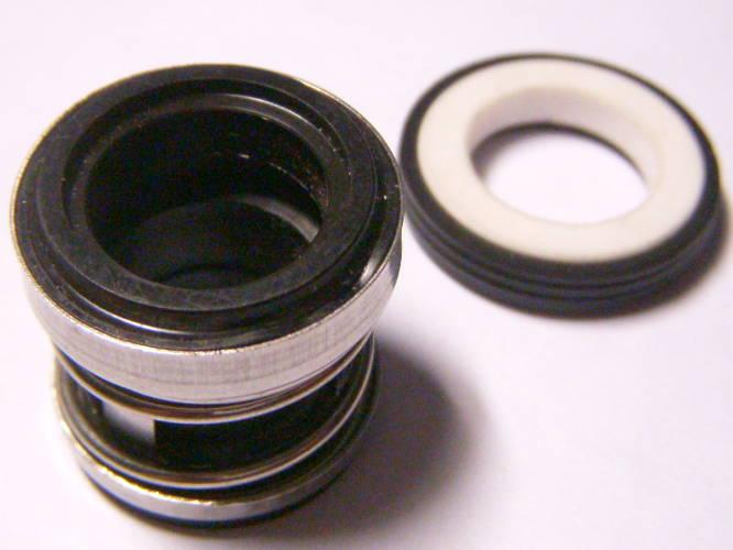 Торцевое уплотнение высотой 23 мм с керамическим кольцом 26 мм под вал 14 мм